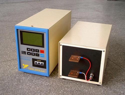 逆变焊接电源